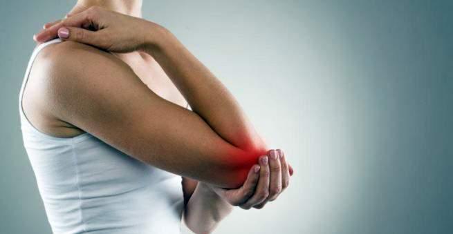 skausmas alkūnės išorėje prednizolono sąnarių skausmas