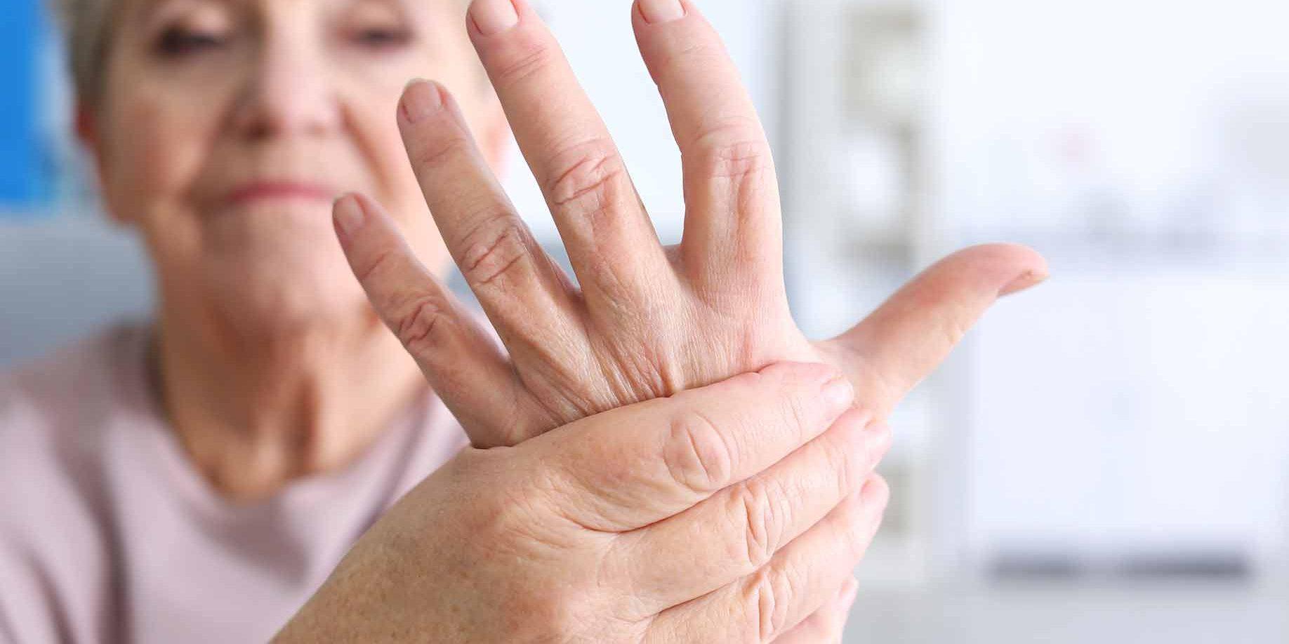skausmas stotelės ir delnų sąnarių