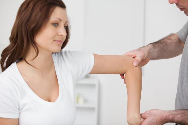 gliukozamino chondroitino tabletės apžvalgų skauda sąnarį ant rankų nei patepti