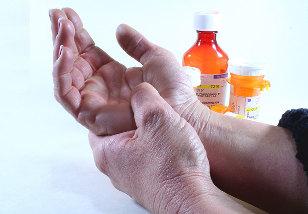 sanariu skausmas ir berimas sąnarių uždegimas ženklai
