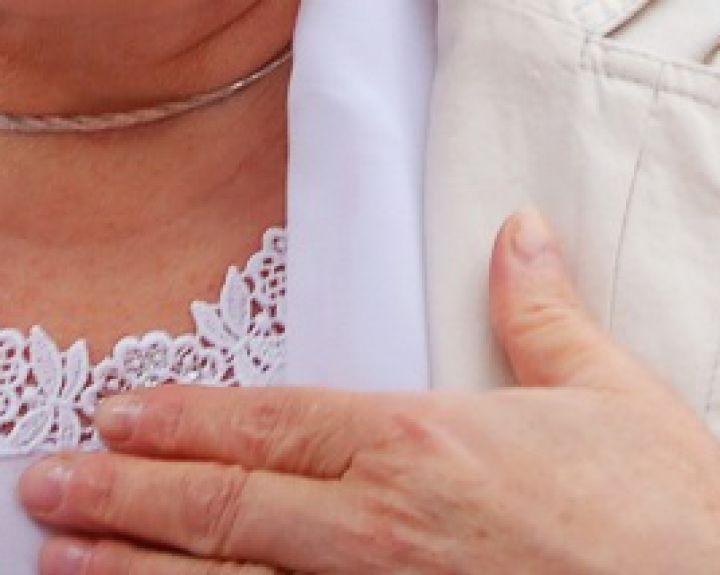 krutines skausmas ramybes busenoje skausmas peties sąnario kairės rankos po kritimo