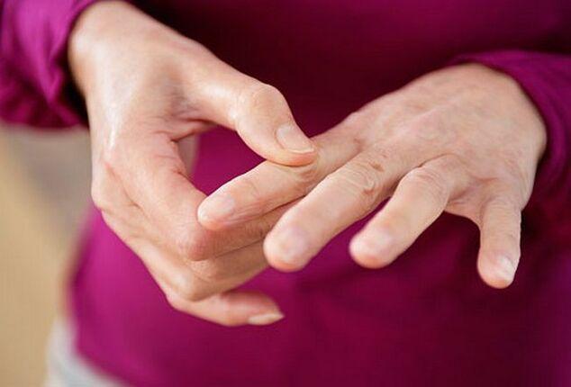 sąnarių skausmas dėl liaudies gynimo priemonių pirštų gelis nuo sąnarių uždegimas