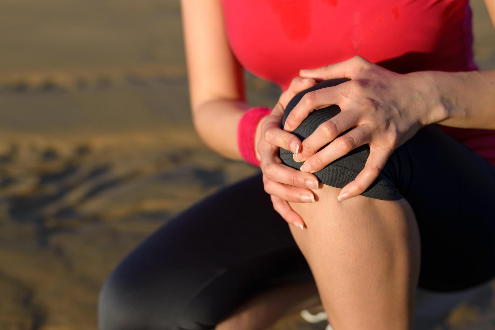 terapinės žolės su sąnarių skausmas insulto skausmas sąnarių