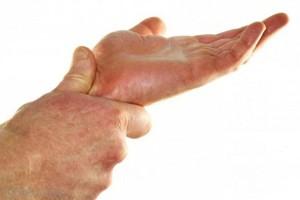 rankų skausmas alkūnės