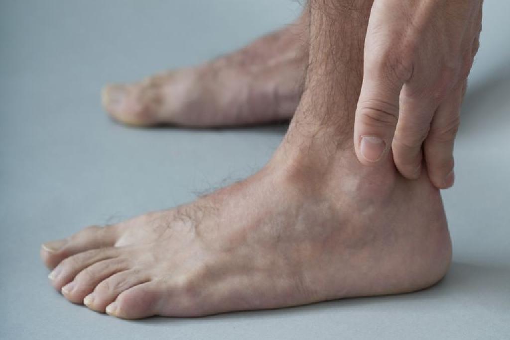 uždegimas pėdos priežasčių sąnarių tepalas snukio sąnarių gydymo