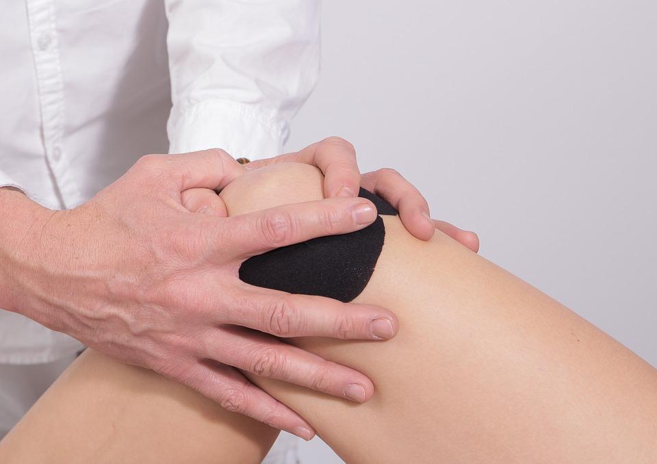 gydymas skausmas dešiniajame brachy sąnario