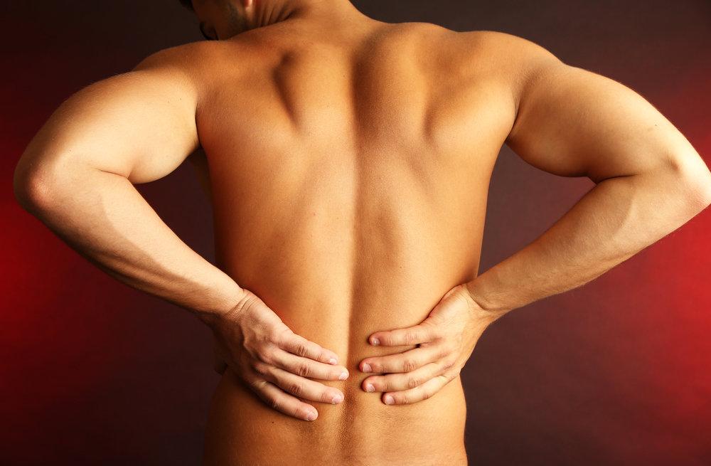 krūtinės skausmas pereinantis į nugarą uždegimas peties sąnario gydymo namuose