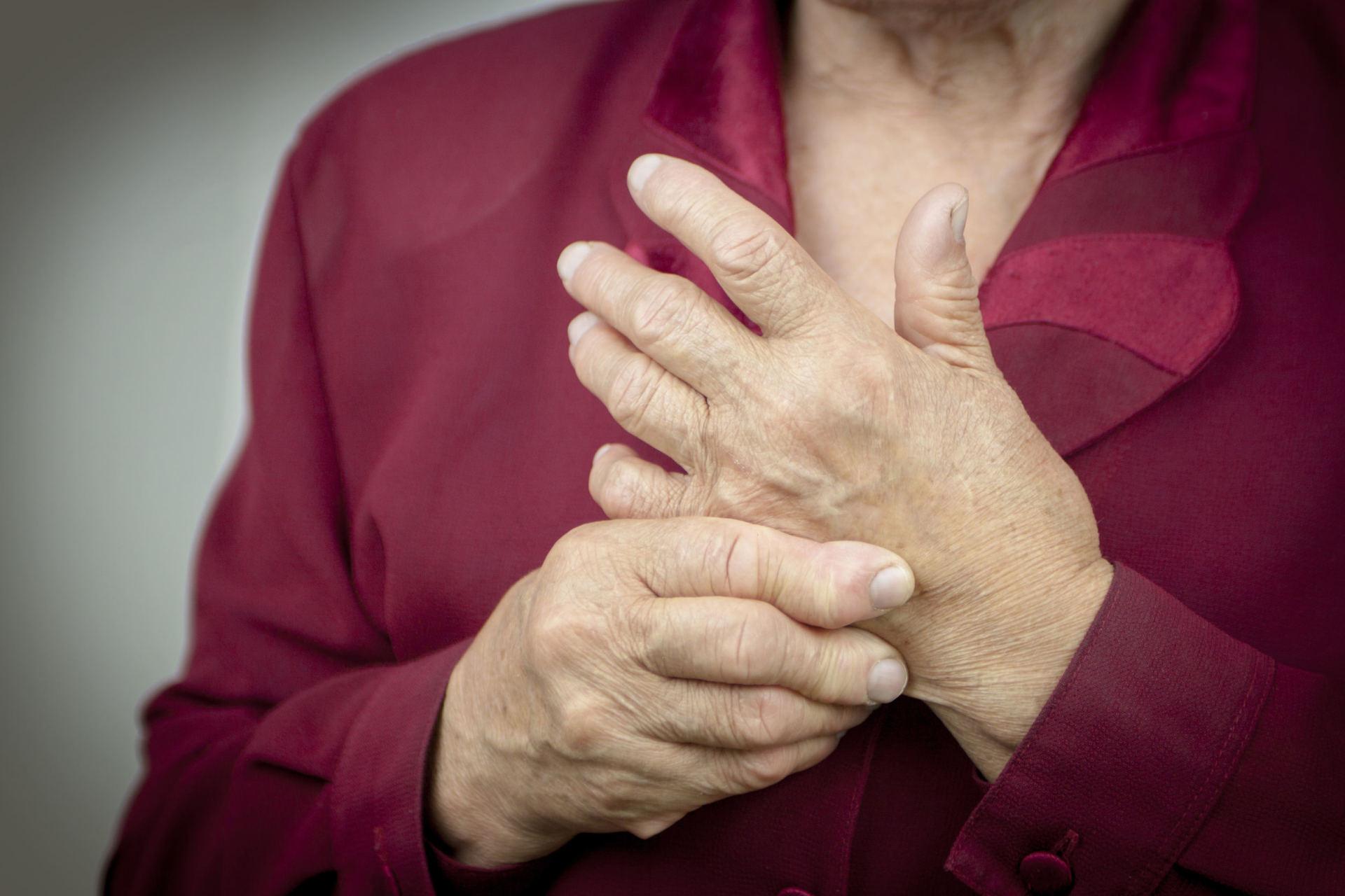 liaudies metodai gydant artrozė rankas pirštai artritu sergantiems pacientams