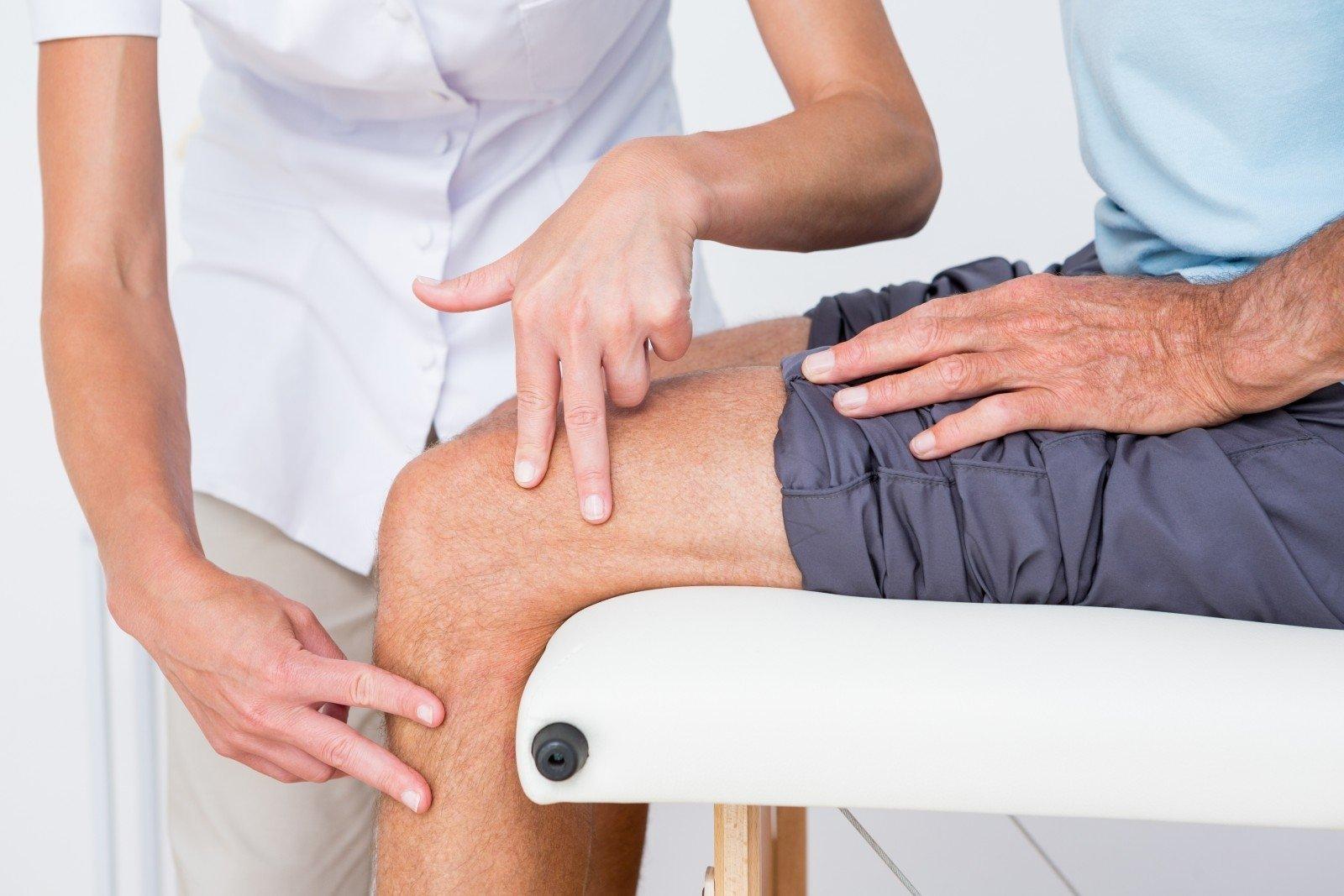 stiprus skausmas žandikaulio sąnario