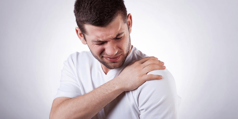 pasekmės peties sąnario traumos kaip pašalinti patinimas ranka artritas