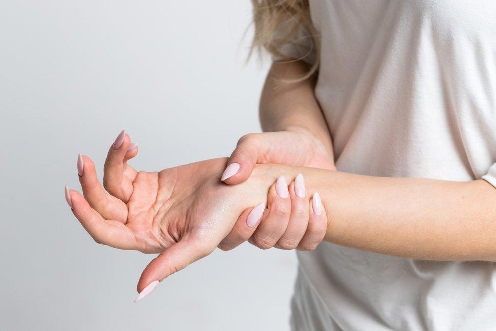 rankos delno skausmas įprasta išnirimas peties sąnario prevencijos
