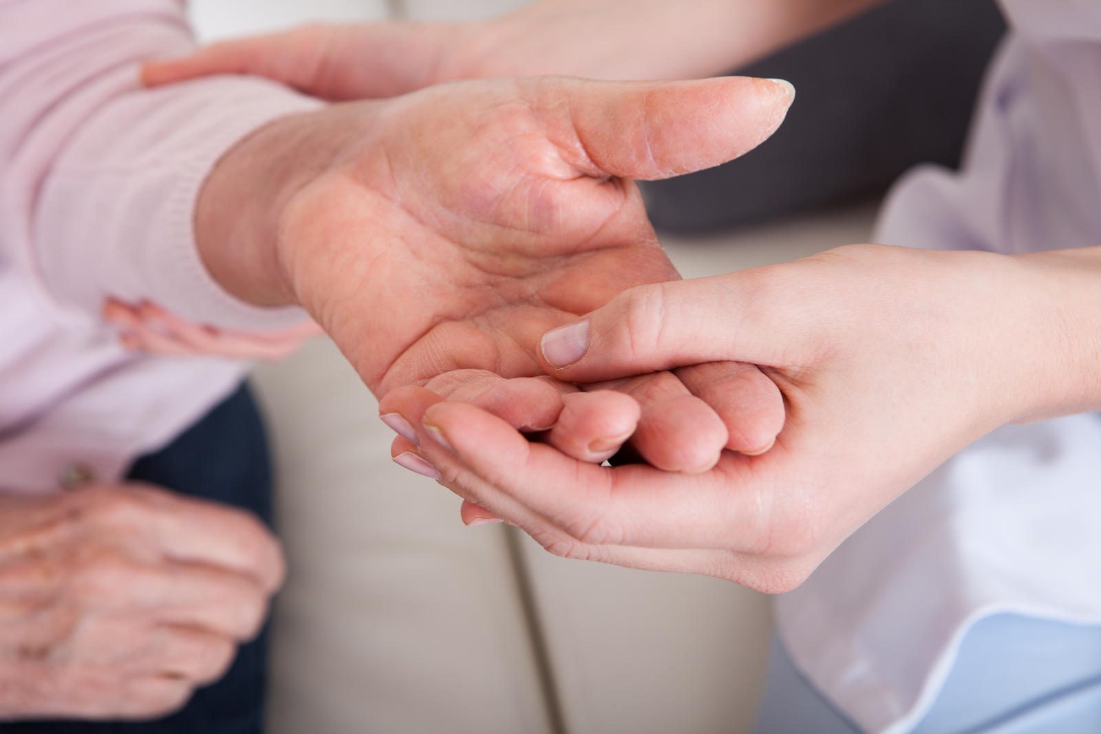 reumatoidinis artritas vaikams apšiltinimo tepalai esantys sąnarių skausmas