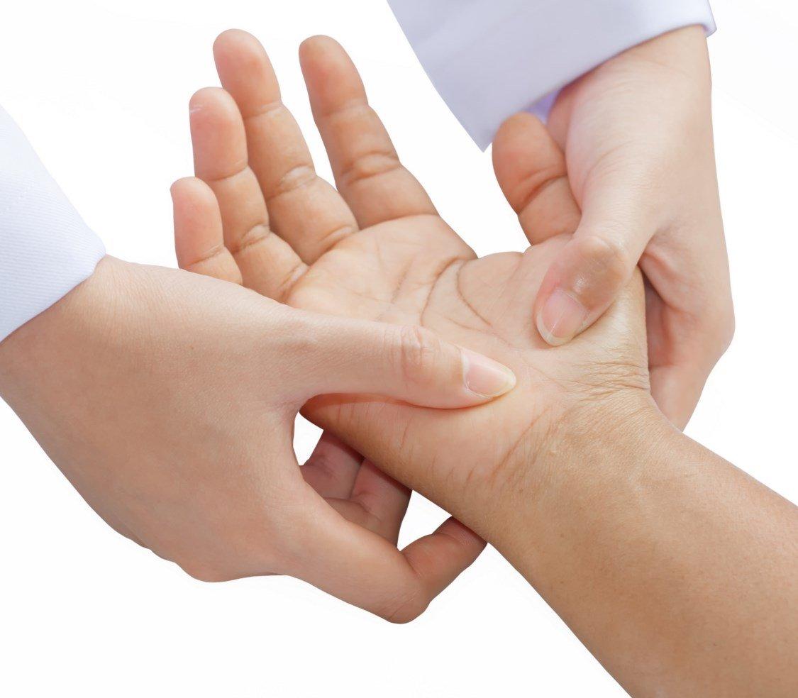 įtempti kaklo raumenys raumenų skauda peties sąnario